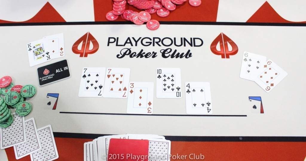 Final hand of Event 14